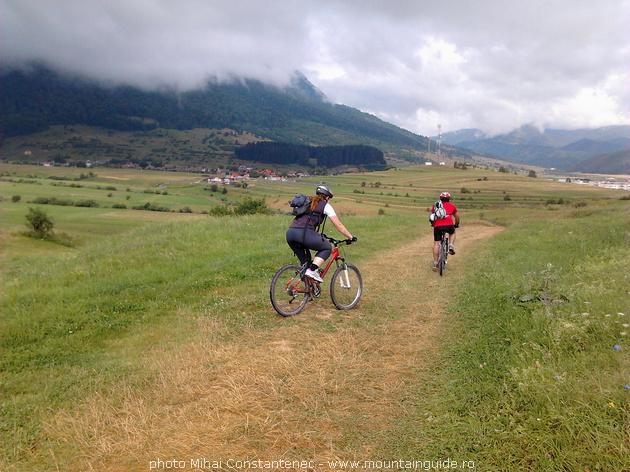 Mountain biking holiday in Romania, Bran county, Transylvanian villages