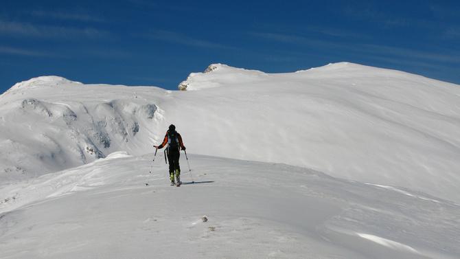 Monika Schoch, SAC Interkalen, ski de tura in Muntii Bucegi, foto Iulian Cozma