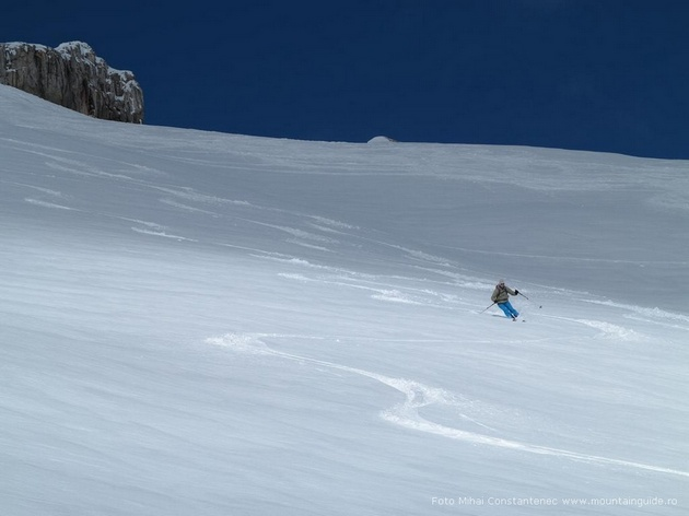 Skitouren im Bucegi-Gebirge Karpaten, halb Winter - halb Frühling