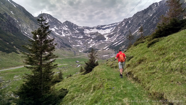 Hiking in Bucegi and Fagaras mountains, explore Carpathian mountains